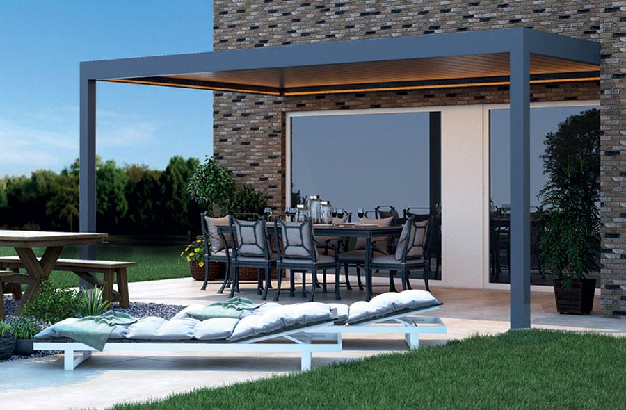 Veranda With Aluminium Louvered Roof